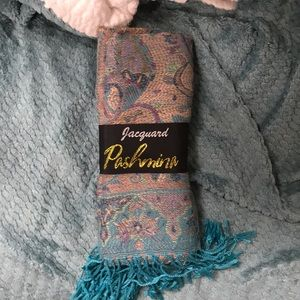 Accessories - NWT teal pashmina